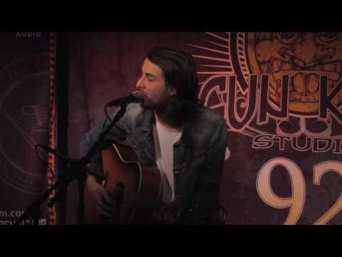 "Bobby Bazini ""C'est La Vie"" (Live In Sun King Studio 92 Powered By Klipsch Audio)"