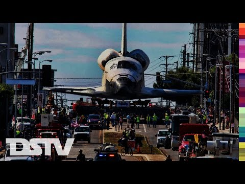 SPACE SHUTTLE ENDEAVOUR ARRIVES AT LOS ANGELES LAX AIRPORT