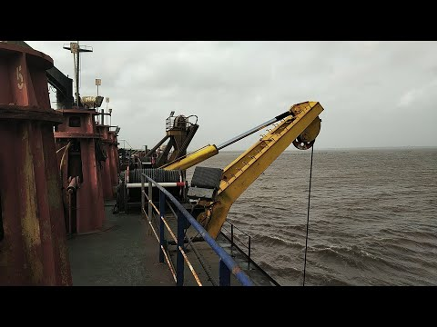 Gantry crane seal replacement - trailer suction hopper dredg