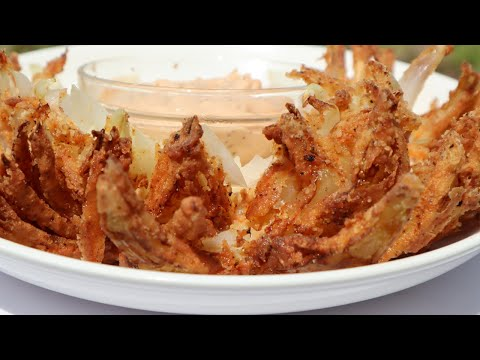 the-perfect-blooming-onion-and-dipping-sauce-|-stay-at-home-recipe