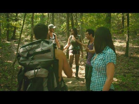 【穷电影】一群青年闯入隔离区探险,本觉得好玩,谁料惨遭不明怪物追杀