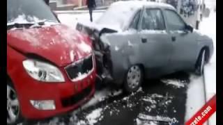 Erzurum'da Kar Yağdı Araçlar kaza yaptı