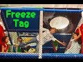 SCAVENGER HUNT IN TRAMPOLINE PARK    SILLY FAMILY GAMES