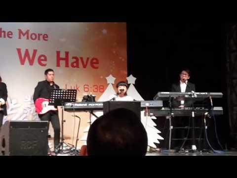 Christmas song Damai yang Sempurna by Grezia Ephipania