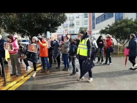 Protestas de animalistas en Sarria pola caza de raposo