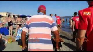 Ostia, blitz di CasaPound: cacciati via gli ambulanti dalla spiaggia