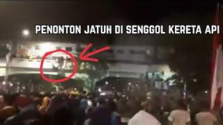Petaka , Kegiatan memperingati hari pahlawan Surabaya membawa Mala petaka .
