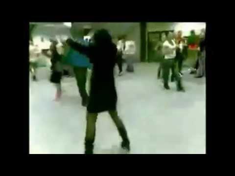 Прикол на корпоративе | Девушка не танцует, а зажигает на корпоративе