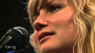 Jennifer Nettles - Me Without You (Bing Lounge)