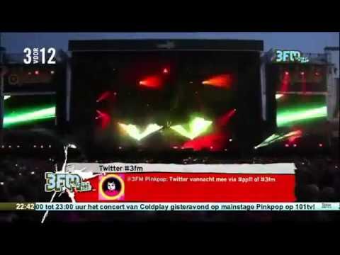Coldplay Charlie Brown pink pop live (Mylo...