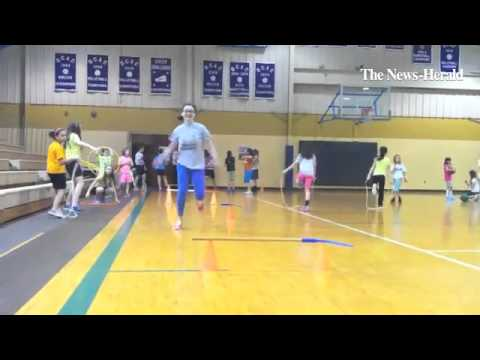 Mentor Christian School participates in Jump Rope for Heart.