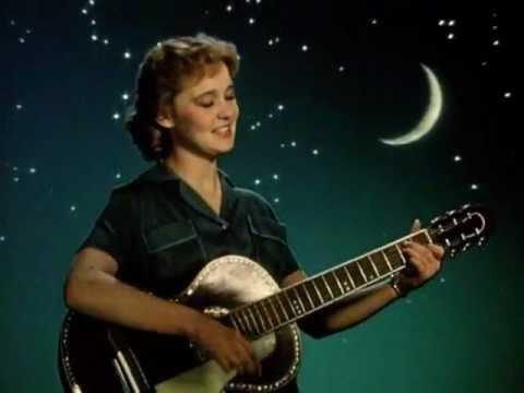 Картинки по запросу людмила гурченко «Девушка с гитарой»