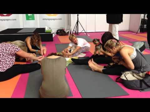 OM Yoga Show 2013 Open Class with Mahny Djahanguiri