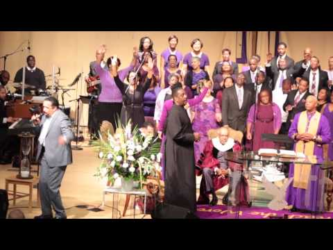 Richard Smallwood & The Metropolitan Music Ministry Ministering