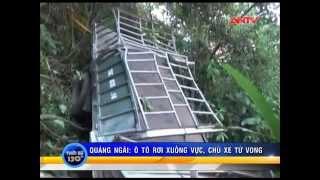Quảng Ngãi: Ô tô chở gỗ lao xuống vực, 1 người chết