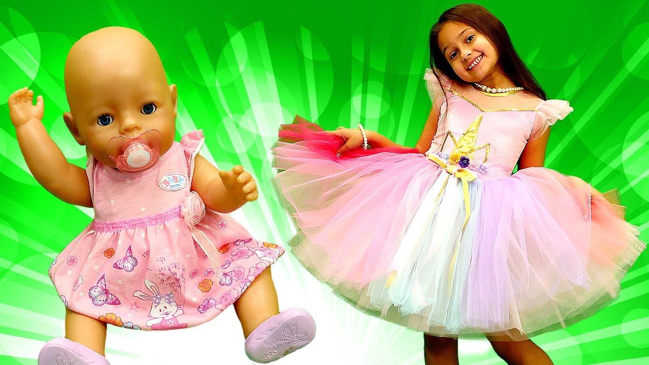 Selín y la muñeca bebé eligen vestidos de fiesta.Juguetes Baby Born.Vídeos de juguetes para niñas