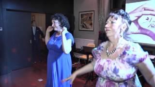 Зажигательный танец  мамы и тети на свадьбе