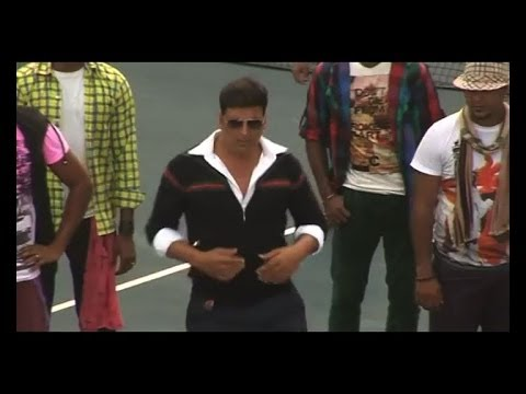 Making of the  'Tu Hi Toh Hai' from Holiday  Bollywood Country Videos
