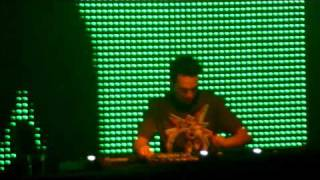Laidback Luke @ SaSaZu Prague play Sidney Samson ft Sicerow - Fill U Up