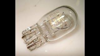 Замена лампочки фонаря освещения номера Nissan X Trail Т31
