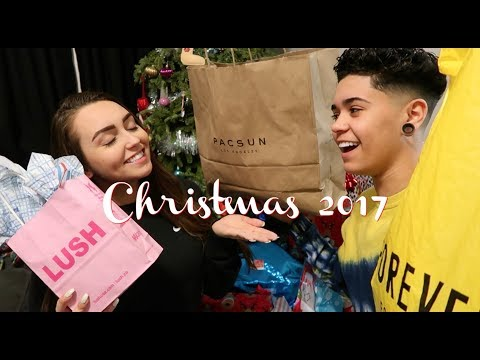 Christmas Shopping Vlog! (Jules & Saud)