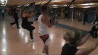 TRX csoportos edzés Vezér Fitness-Debrecen.