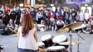 拍攝日期:2014年10月26日地點:台北西門町喜歡的話請去粉絲團幫她按個讚,...