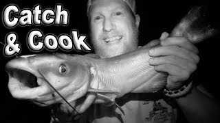 Catch and Cook Catfish / Day 5 Of 30 Day Survival Challenge Texas