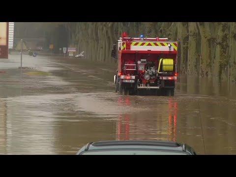 Сильнейшее за почти 130 лет: наводнение на юге Франции унесло жизни как минимум 13 человек