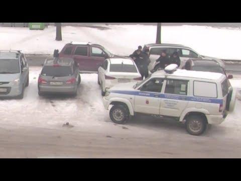 Полицейские избили семью и навешали на нее 19.3 КоАП и 318, 319 УК. Санкт-Петербург.