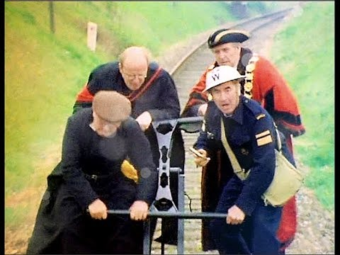 Dad's Army - The Royal Train - NL Ondertiteld - 'just keep pumping!'...
