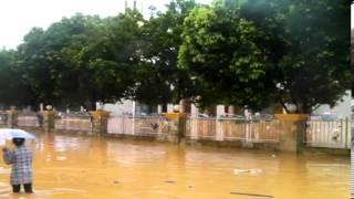 Video Amatir Banjir Ambon 30 Juli 2013 Ketika Hujan Mulai Reda