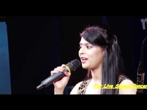 Kora Kagaz Tha Ye Man Mera | Sarrika Singh Live