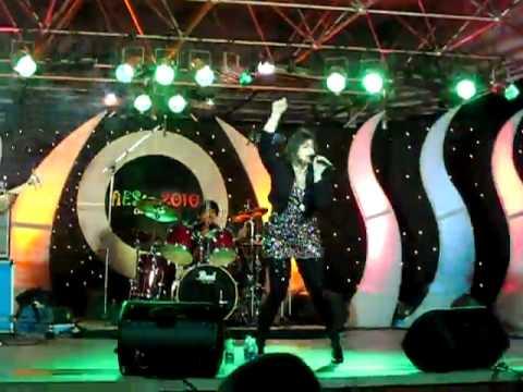Vasundhara Das @ Infy Bangalore - Where's the party tonight