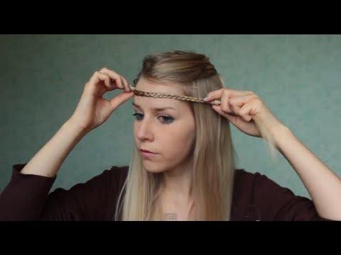 coiffure avec une tresse sur le front