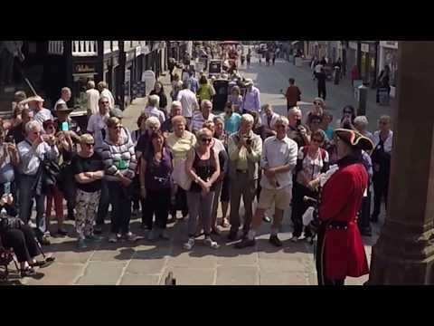 CHESTER TOWN CRIER - DAVID SAYS HELLO Trafalgar's Britain and Ireland Grandeur Tour wowzieee