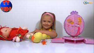 Baby Born. Девочка Ярослава делает Кукле макияж. Girl Yaroslava is putting doll`s face on. Серия 28
