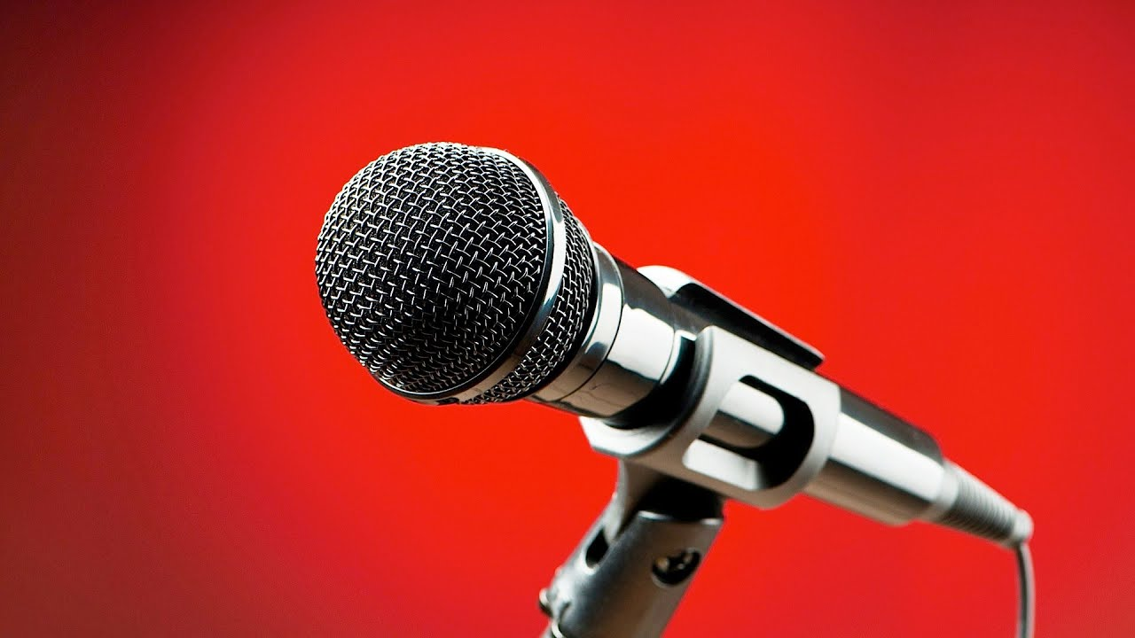 How to speak with a microphone