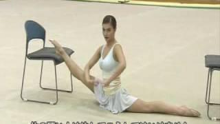 Repeat youtube video Alina Kabaeva Rhythmic Gymnastic Training Tips Warm Up part2