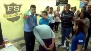 """⚠""""Pastor charlatão enganando as pessoas"""""""
