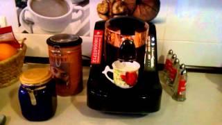 Приготування ранкової кави / Приготовление утреннего кофе