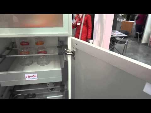 Петли широкого открывания 175 градусов + Tip On от  Blum -демонстрация работы