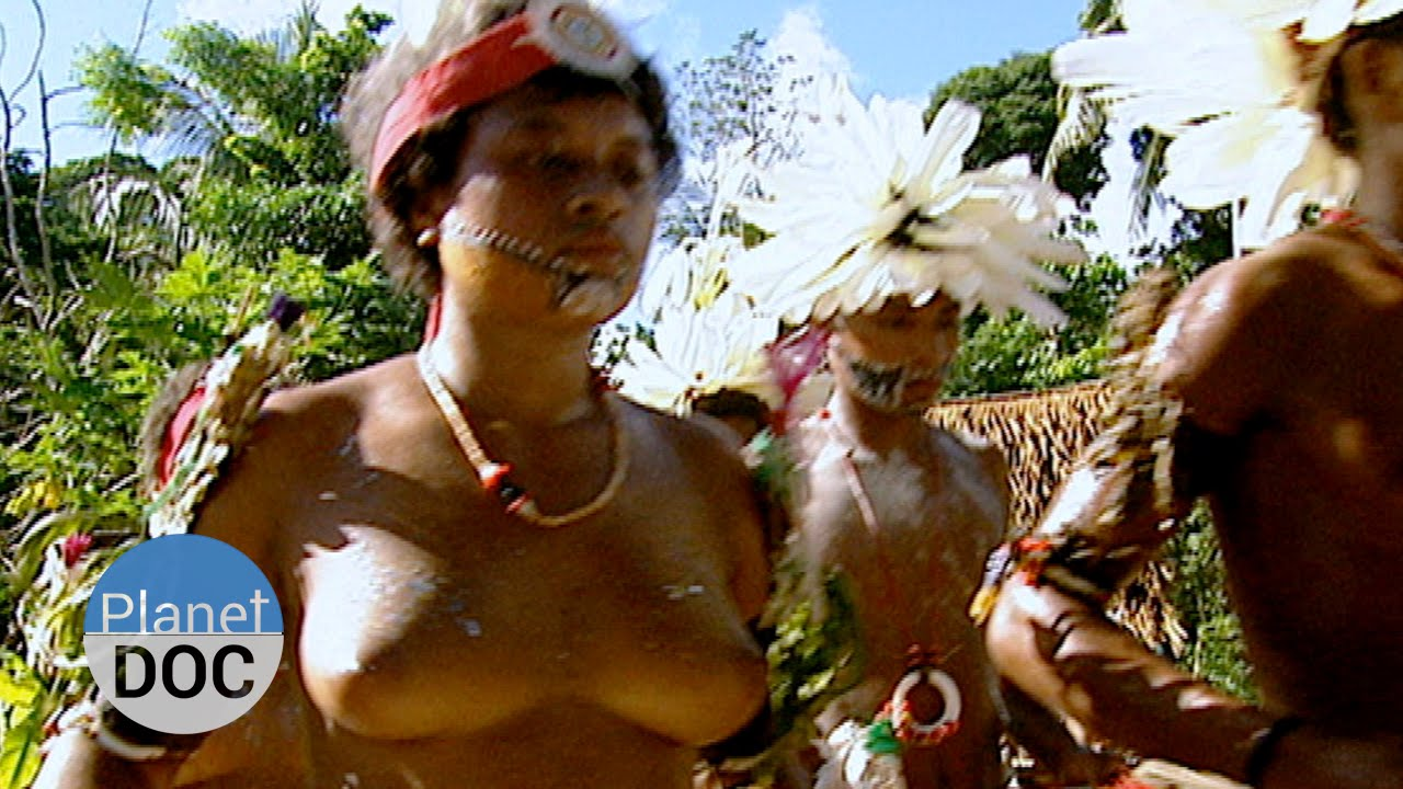 columbia girls naked boobs