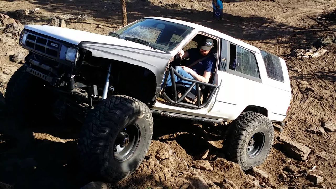 1985 toyota 4runner on one tons and 38s vid2 youtube. Black Bedroom Furniture Sets. Home Design Ideas