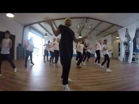 Flash Mob - Halloween  Ars - QG Dance School