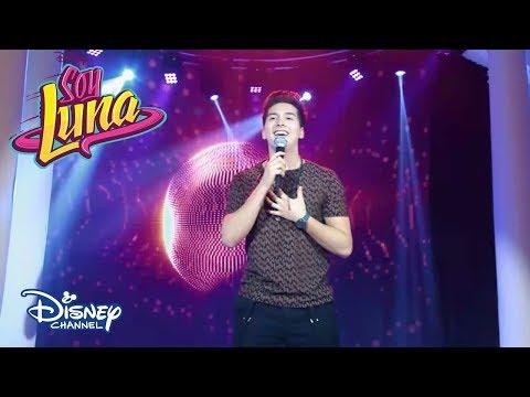 Eric Canta Mi Corazón Hace Wow Wow | Momento Musical | Soy Luna 3