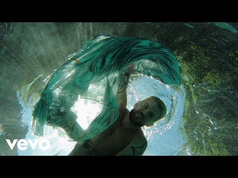Смотреть клип Meghan Trainor Ft. Dillon Francis - Underwater