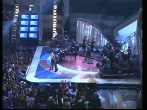 Kelly Clarkson - Amame (ft. Alexandre Pires) Latin Grammy Awards 2003