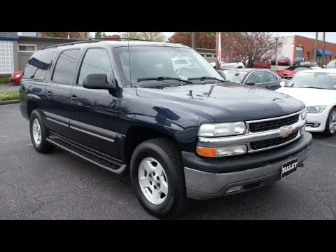 2004 Chevrolet Suburban LT 4WD Walkaround, Start up, Tour and Overview