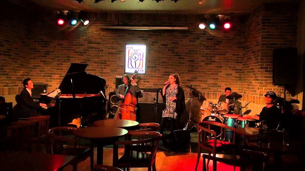 ラテン・ジャズが生演奏で!ピアノは天才、テディ池谷!レストランバーcib Youtube